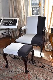 tapissier siege rénovation de fauteuils de style et design atelier secrea