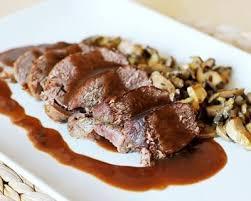 cuisiner le chevreuil facile rôti de biche aux airelles et chignons sauvages facile cuisine az