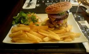 au bureau arras le fameux collosal burger 450g de steaks picture of au bureau