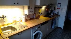 küche komplett weiss holz gepflegt aeg spülmaschine herd