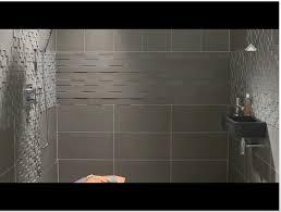 poseur de salle de bain pose de carrelage mural dans une salle bain on decoration d