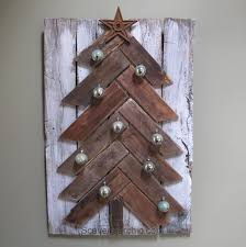 The Grinch Christmas Tree Star by Pallet Wood Christmas Tree Diy Scavenger Chic