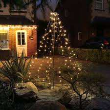 Dos And Donts Of Outdoor Holiday Lighting Home And Garden