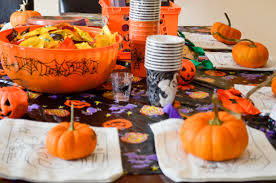 Halloween Pretzel Sticks by Spooky Halloween Party Tablescape Ideas Thirtysomethingsupermom