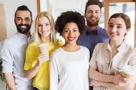 equipe bureau équipe créative heureuse dans le bureau image stock image 53418033