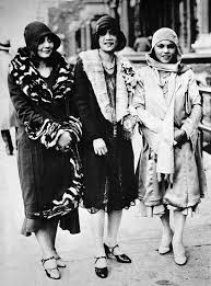 50 Fabulous Pictures Of Womens Street Style From The 1920s