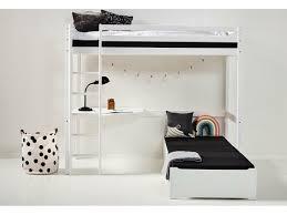 hochbett mit lounge ecke tischplatte und gerader leiter