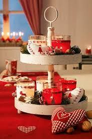 tischdeko für weihnachten rot weiß dekorierte etagere