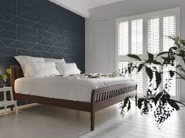 weisses laminat graue schattierungen schlafzimmer