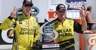 100 Win Truck Kyle Busch Passes Ryan Blaney Late To Win Race At Michigan
