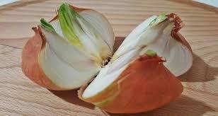 oignon dans la chambre coupez un oignon en 4 tranches et répartissez les dans votre