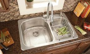 kitchen sink tile backsplash