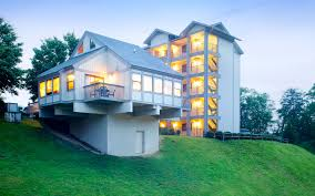 Bluegreen s Laurel Crest resort in the Smoky Mountains less than