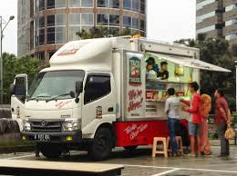 Sewa Food Truck | GLTrans Rent Car