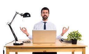 bureau homme d affaire homme d affaires dans bureau en position télécharger des