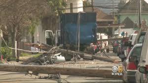 100 Rowe Truck Crash Brings Down Power Lines In Oakland Leaving 1500