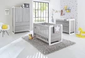 chambre bébé lit commode impressionnant chambre bebe evolutif 6 pinolino chambre b233b233