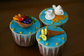 Short On Ideas What To Bring A Housewarming Party Why Not Some Cupcakes All Toppers Were Handmade With Fondant