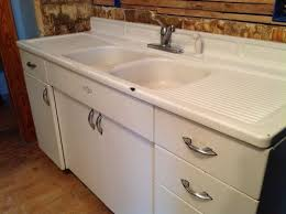 Youngstown Kitchen Sink Cabinet Craigslist by Best 25 Vintage Kitchen Sink Ideas On Pinterest Vintage Kitchen