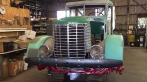 1940 Peterbilt 334 260 Cummins Courtland - YouTube