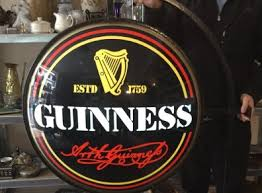 Vintage Guinness Light Sign Pub Outdoor Advertising For Sale in