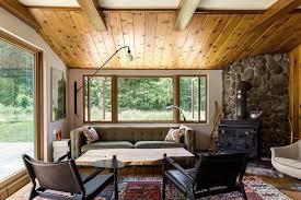 sofa vor fenster aufstellen wohnzimmer stilvoll mit