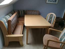 sitzecke mit tisch stühle küche wohnzimmer holz