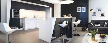 cuisine moderne design avec ilot cuisine moderne ambiance graphic mobalpa