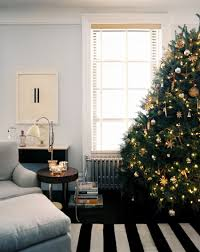 Hayneedle Christmas Trees by 10 Rooms With Festive Christmas Trees
