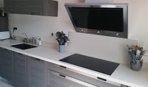 cuisine blanche et plan de travail bois plan de travail bois gris free cuisine plan de travail