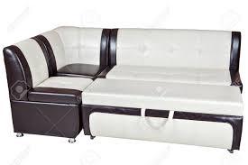 kunstleder schlafsofa esszimmermöbel weiß mit braunen farbe isoliert auf weißem hintergrund clipping pfad enthalten