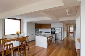 offene küche mit kücheninsel im bild kaufen 12976665