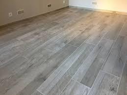 renovation carrelage sol cuisine rénovation sol appartement en carrelage imitation bois aix en