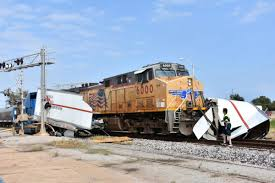 100 Penske Semi Truck Rental UPDATE Train Hits Semi On Garriott Tracks Near 2nd Truck