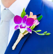 2018 Spring Wedding Colors And Boutonniere Flower Ideas For Your Groom The Groomsman Suit