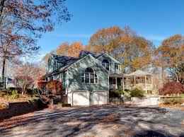 204 Dresser Hill Road Charlton Ma by 98 Baker Pond Rd Charlton Ma 01507 Zillow