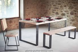 table à manger en chêne massif avec plateau rectangulaire et