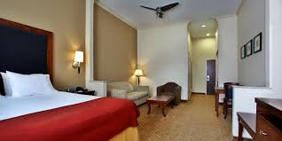 Bed And Biscuit Greensboro Nc by Holiday Inn Express U0026 Suites Deer Park Hotel By Ihg