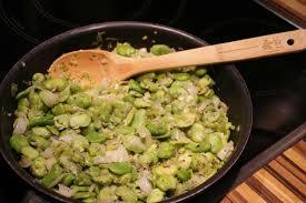 comment cuisiner les f es fraiches poêlée de fèves fraîches pascale co