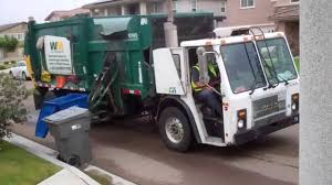 WM Waste Management - Mack LE Wittke Crocodile Garbage Truck ...