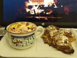 la cuisine au coin du feu cuisine en folie croissants aux amandes et chocolat chaud au coin