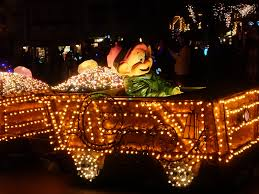 Little Five Points Halloween Parade Parking by Mouseplanet Disneyland Resort Update For January 23 29 2017