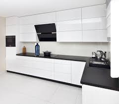 küche eckküche weiß grifflos glanz hochglanz soft individuell stellbar