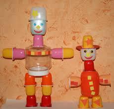 que faire avec des pots de yaourt en verre robots fabriqués avec des pots de petits suisses et yaourts les