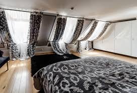 schlafzimmer stilvoll verdunkeln mit jalousien rollo