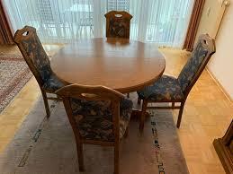 sitzgruppe mit rundem tisch ausziehbar und 4 stühlen