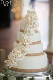 Wedding Cake Hessian Ribbon I Want To Do This With Wattle Flowers