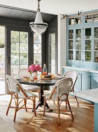 Julianne Houghs 1 Secret To Decorating A Home That Never Goes Out Of Style