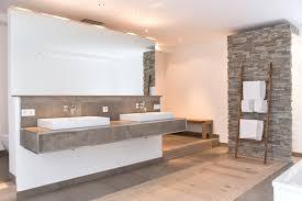naturstein und holz das bad mit natürlichen materialien