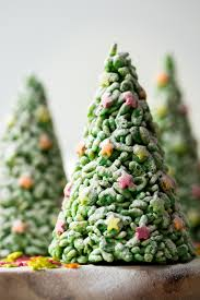 These Easy Rice Krispie Cone Christmas Trees Are Such A Fun Activity To Do With Kids